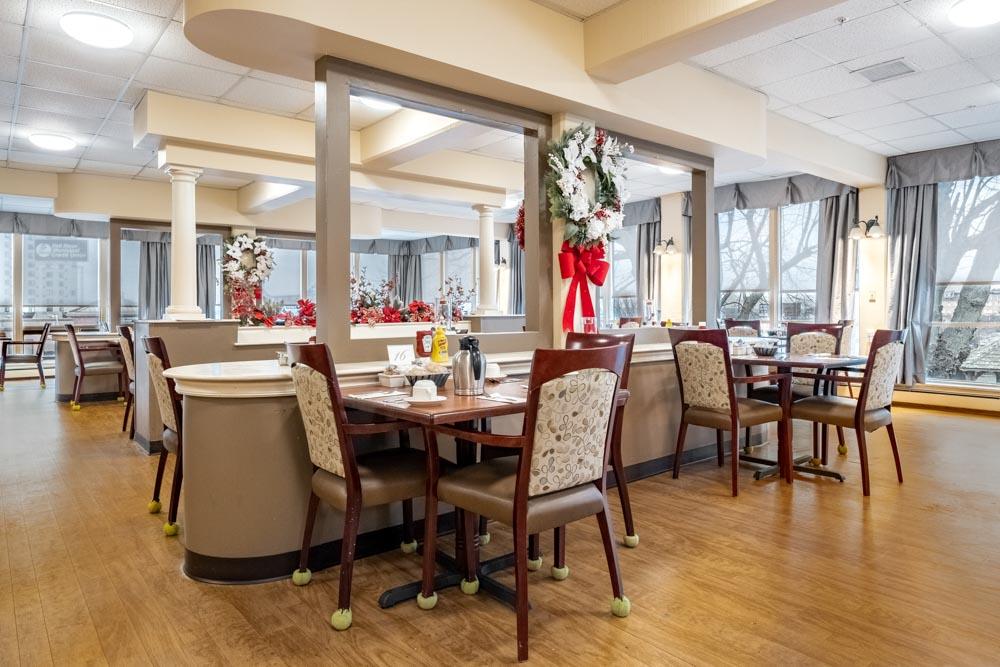 Dining Room with Views of Braga Bridge